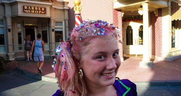 20 Amazing Disney World Freebies Disney World Bibbidi Bobbidi