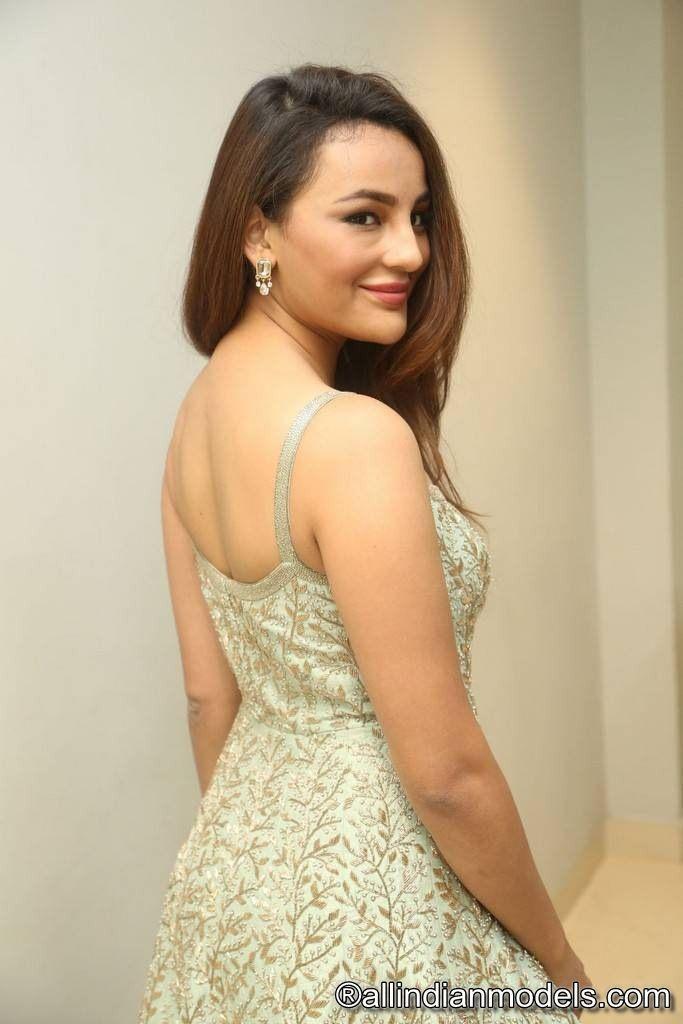 Seerat Kapoor Stills At Okka Kshanam Movie Trailer Launch | All ...