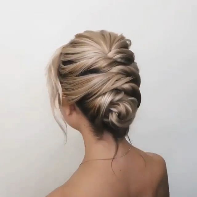Hairstyle Tutorial Check more at https://langefrisuren.com/?p=2421