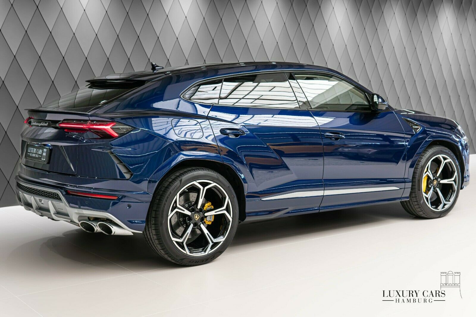 For Sale 2020 Lamborghini Urus Luxury Cars Hamburg United States For Sale On Luxurypulse Luxury Cars Luxury Suv Lamborghini