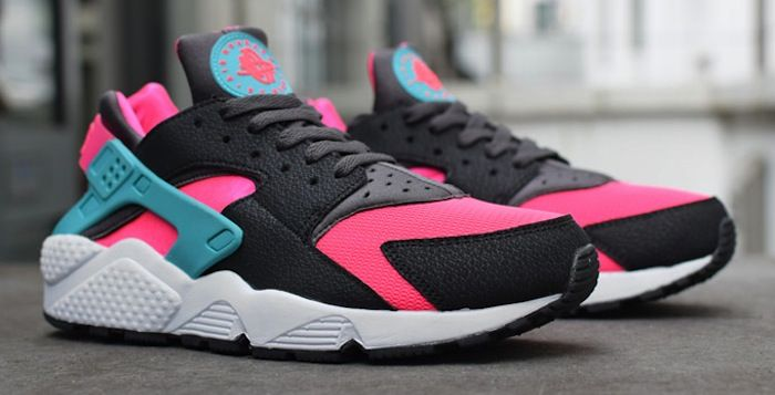 nike huarache black and pink
