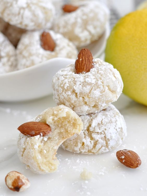 Italian Almond Cookies - Pasticcini alle Mandorle