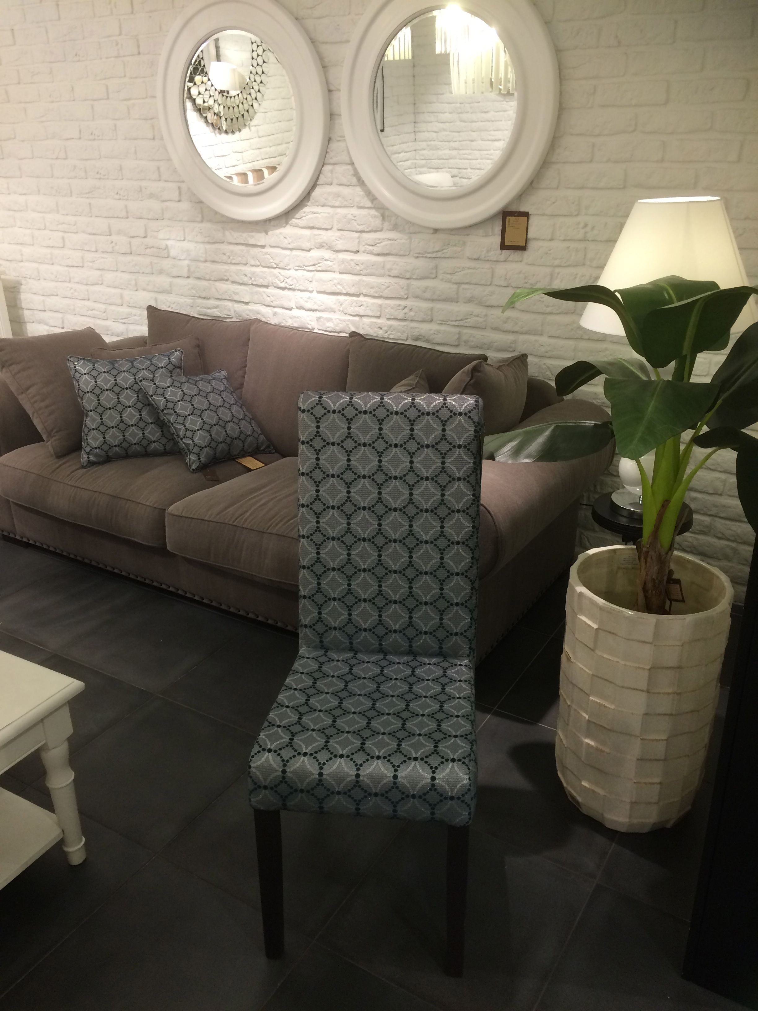 Looking How To Link Your Dining Set With Living Room Area Have A