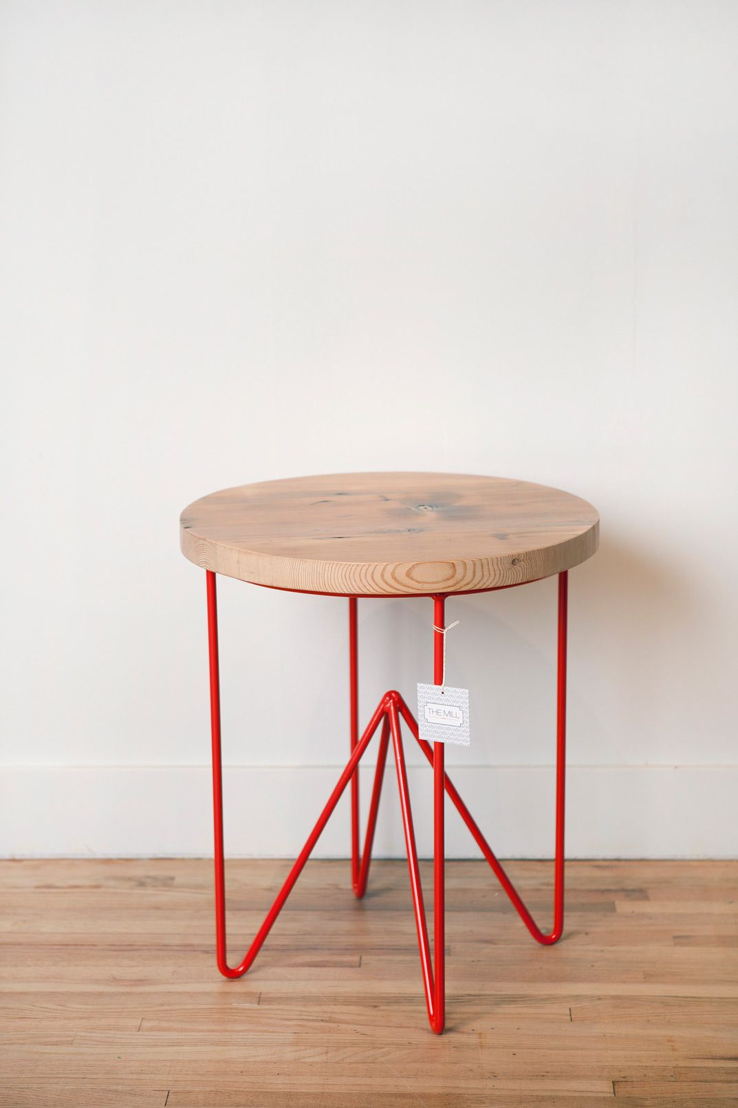 Best Round Reclaimed Wood Side Table 21″X21″X24″ Made From 400 x 300