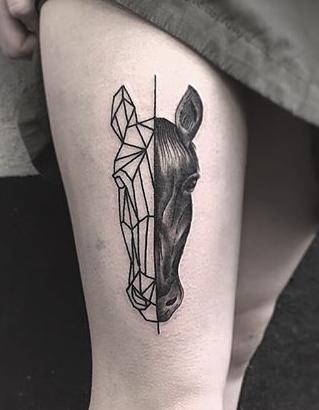 pin by sylviane parfait on tattoos tatouage tatouage chevaux tatoo. Black Bedroom Furniture Sets. Home Design Ideas
