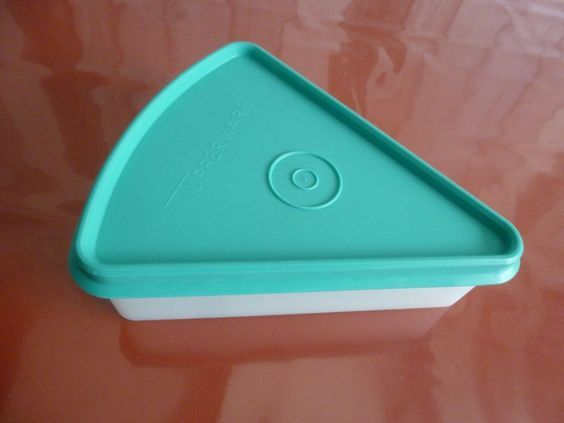 tupperware boite fromage triangle vert vintage histoire. Black Bedroom Furniture Sets. Home Design Ideas