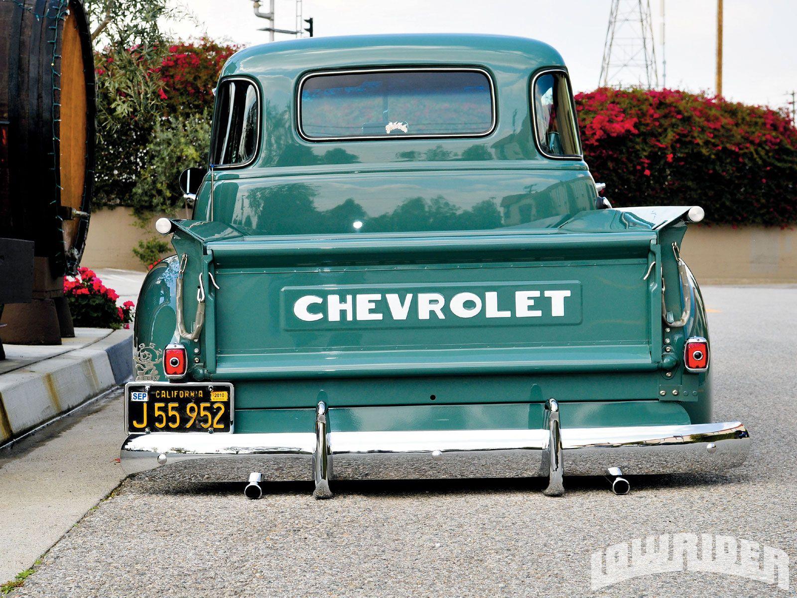 Love Those Little Curved Windows Truck Tailgate Classic Trucks Chevy Trucks