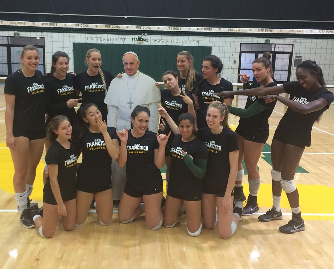 Usf Volleyball On Instagram Our Team Had A Special Guest Stopping By This Afternoon Popeatusf Donfrancisco 15sports1team Godons P Athlete Francisco Usf