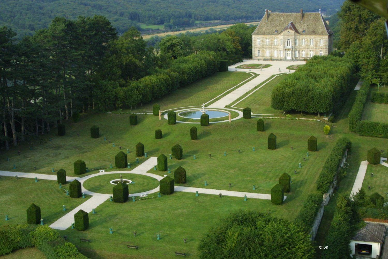 Jardin Classique À La Française château de vaire-le-grand et ses jardins à la française