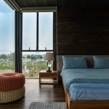 Shipping container home design bangladesh photos apartment therapy also this stacked house is stunning build rh pinterest