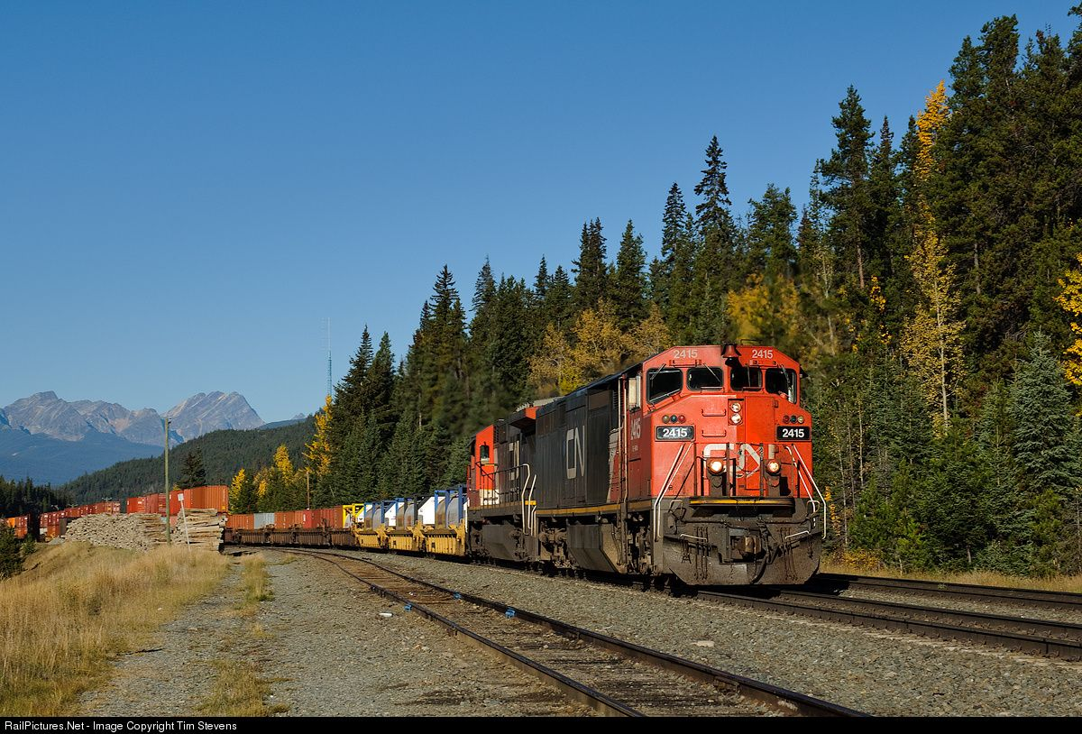 Railpictures net photo cn 2415 canadian national railway for Railpictures