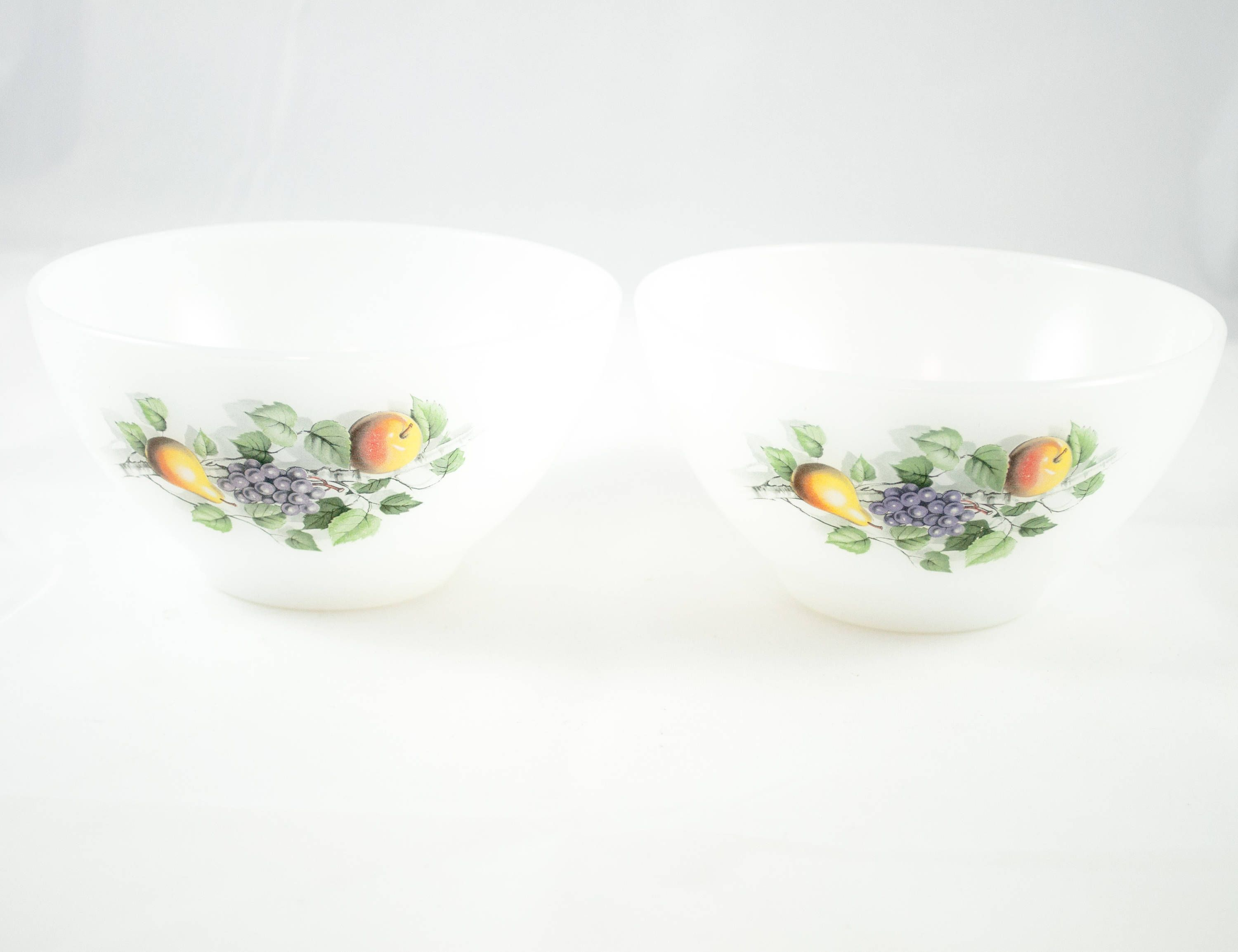 2 Small cereal bowls in fruit design, French Arcopal bowl with ...