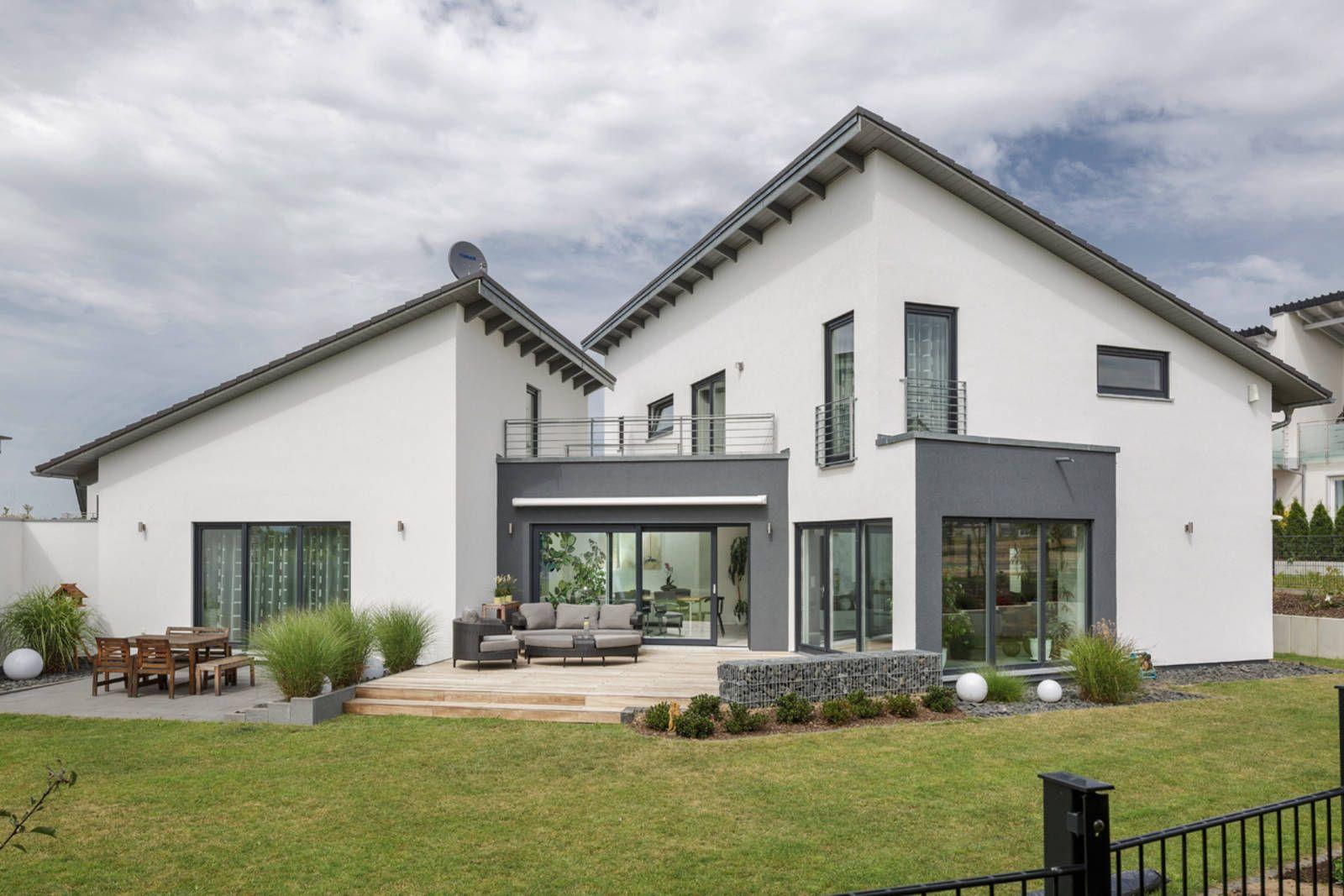 Einfamilienhaus neubau pultdach  Generationenhaus von Meisterstück-HAUS Wohnfläche gesamt 374 m² ...