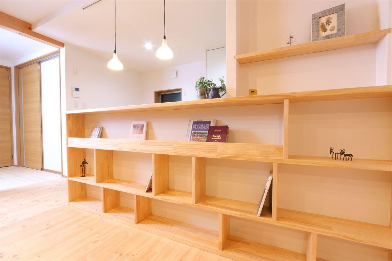 収納 棚 書庫事例集 香川で自然素材の木の家 注文住宅を建てる