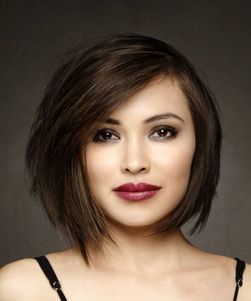 Short Straight Brunette Bob Haircut With Side Swept Bangs Medium Bob Hairstyles Bob Hairstyles Straight Hairstyles