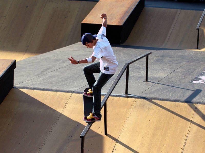 A Guide for Beginning Skateboarders Basics, Tricks, Gear