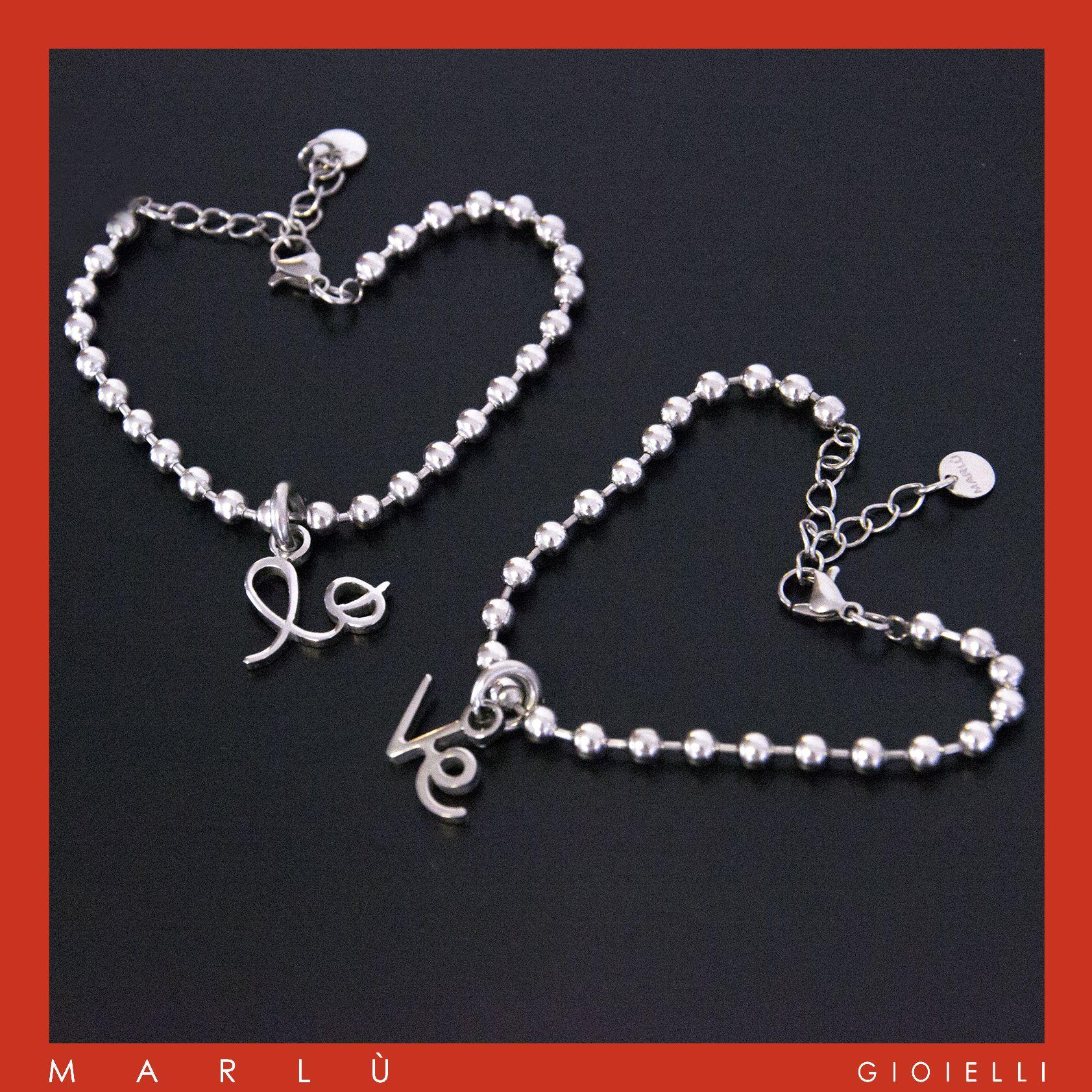 Bracciali in acciaio con charms lo-ve da condividere con chi vuoi. Collezione #MYLOVE. Steel bracelets with charms lo-ve to share with whoever you want. #MYLOVE Collection