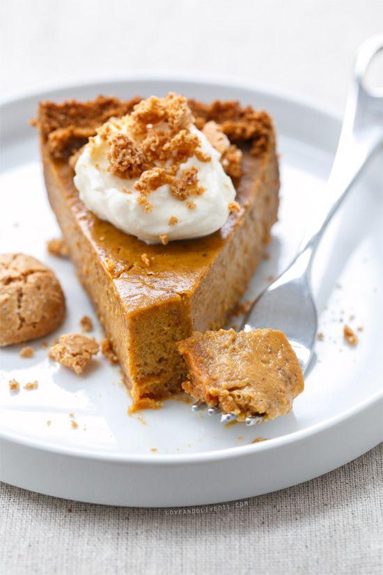 Almond pumpkin pie with amaretti cookie crust a new twist for Pumpkin pie with a twist