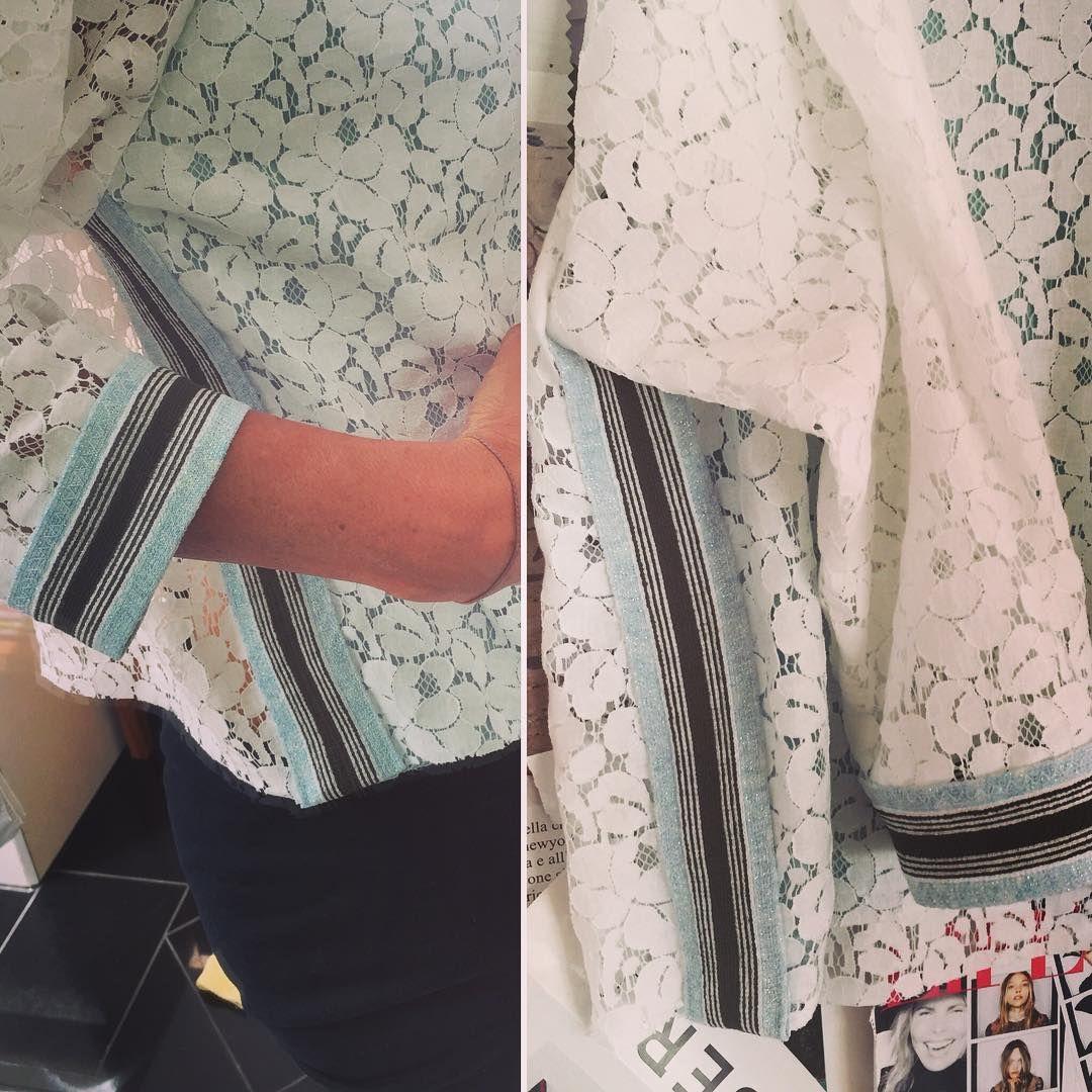 Style Jamie #lace #sweatshirt #puresilk #frontlining #fashion #thelnet #lovelookslikesomething