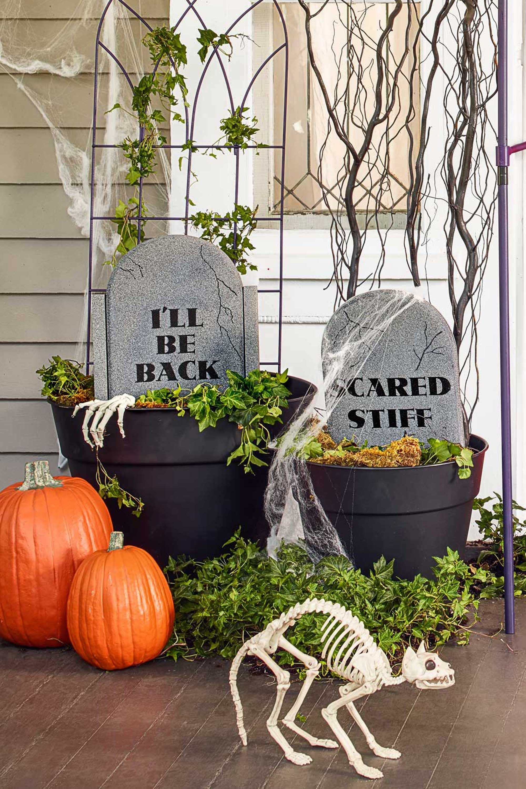 20 Outdoor Halloween Decorations On Sale Spooky Outdoor Halloween Decor Fun Diy Halloween Decorations Halloween Front Porch Decor