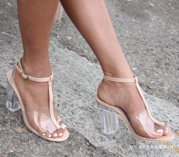@caperobbin Style: Clare-2  is  CLEARLY the Talk of the Town // #caperobbin #perspex
