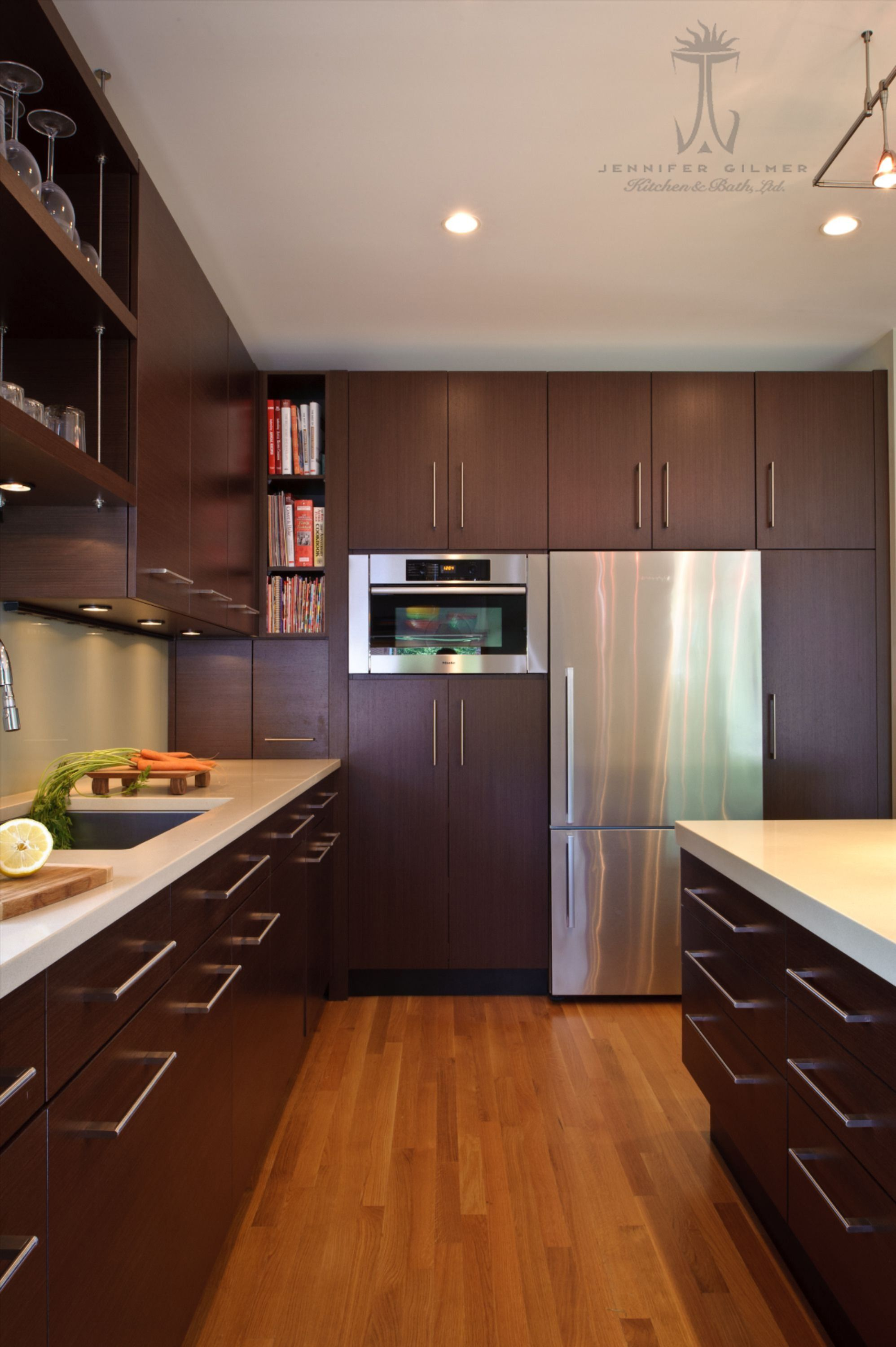 Traditional Kitchen Design In Chevy Chase Maryland In 2020 Traditional Kitchen Design Traditional Kitchen Kitchen And Bath Design