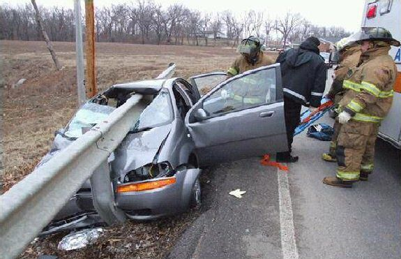 Fatal Text Message:NO TEXTING AND DRIVING!   Watch Out