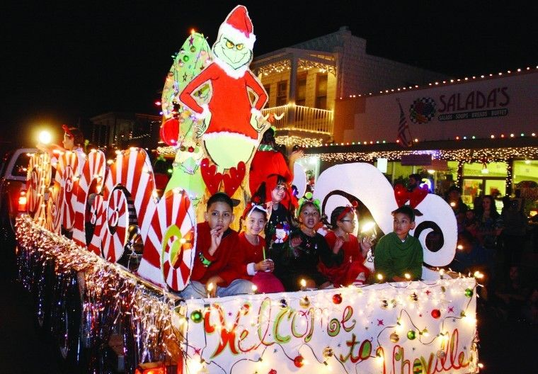 christmas parade float themes kicking off the holidays daily times news kicking off the