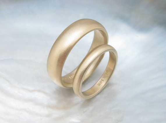 Traditional Gold Wedding Ring Set Simple Matching Low Dome