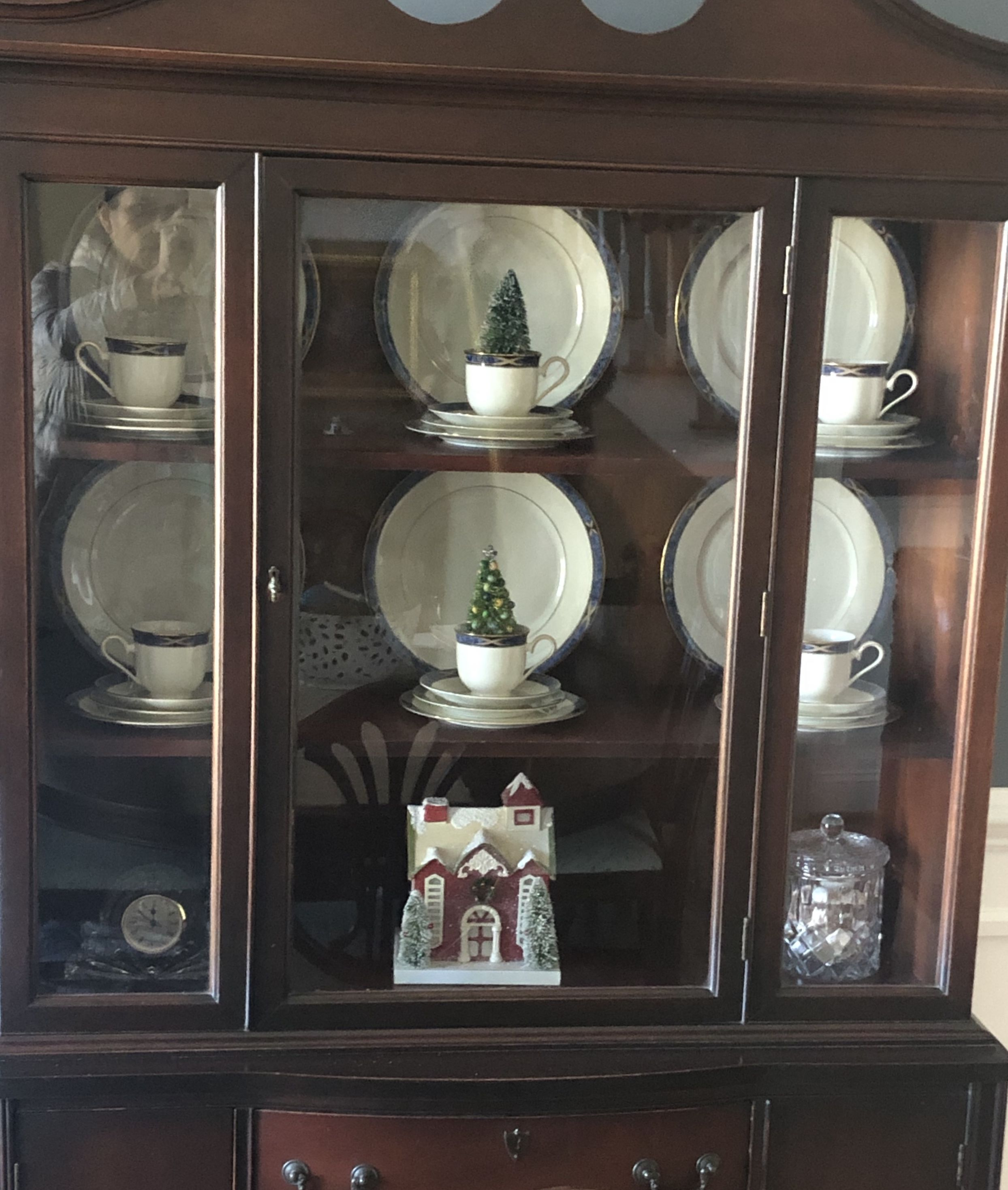 Pin By Wendy Corrigan On Christmas Cabinet China Home Decor