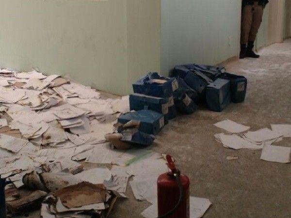 Arquivos e prontuários do Hospital Regional de Bocaiuva são danificados por incêndio