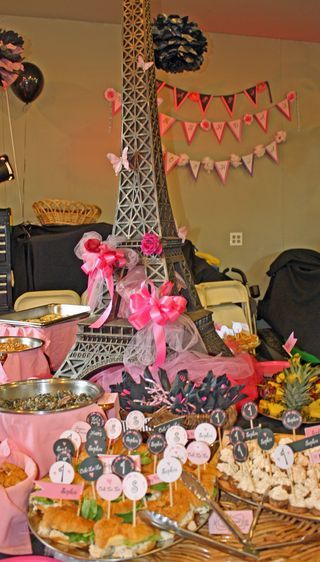 Decorations/Food Table