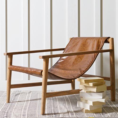 Fauteuil bas avec structure en bois d acacia et assise en cuir