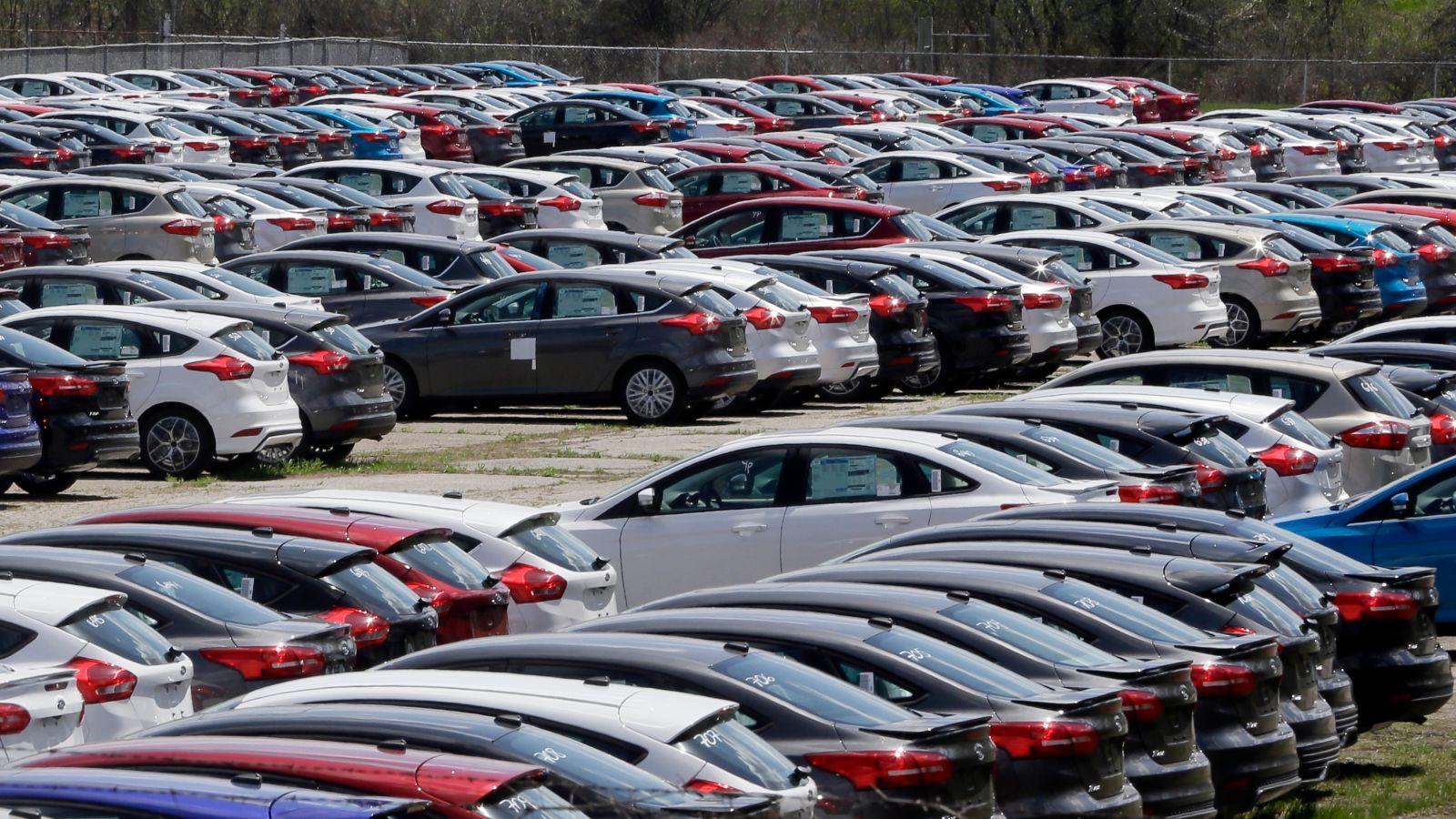 Americans Owe A Record 1.1 Trillion In Car Loanshttp