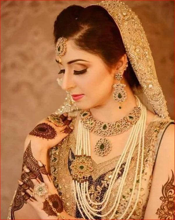 Luvly Dulhan Dress, Pakistan Bride, Hand Mehndi, Mehndi Designs For Hands, Indian