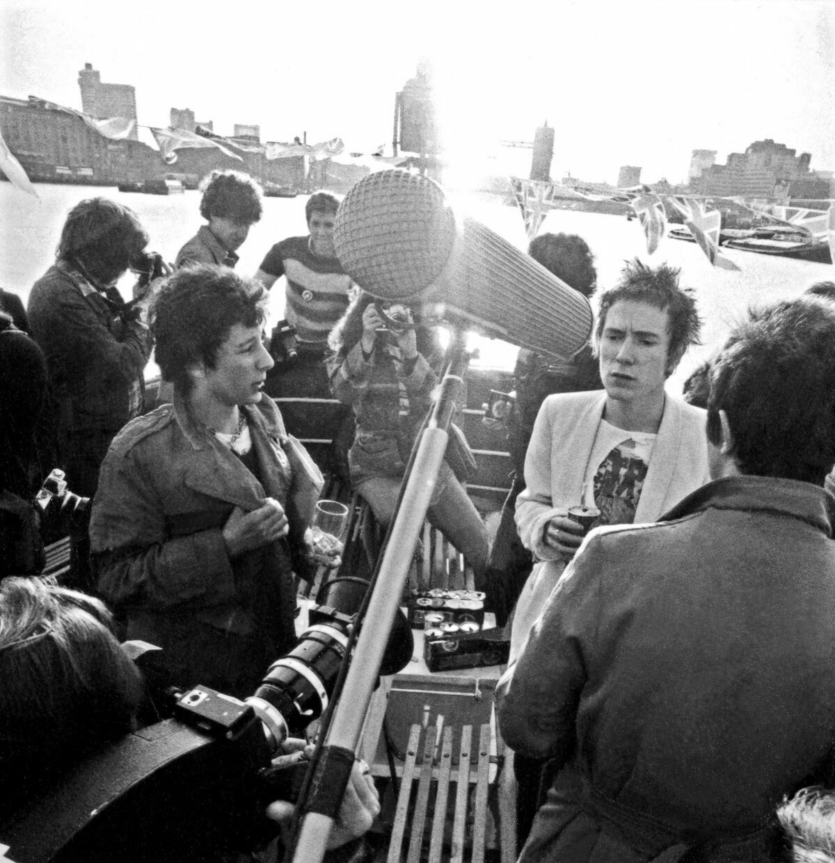 When the Sex Pistols crashed Queen Elizabeth's Silver Jubilee with an  anarchic boat concert