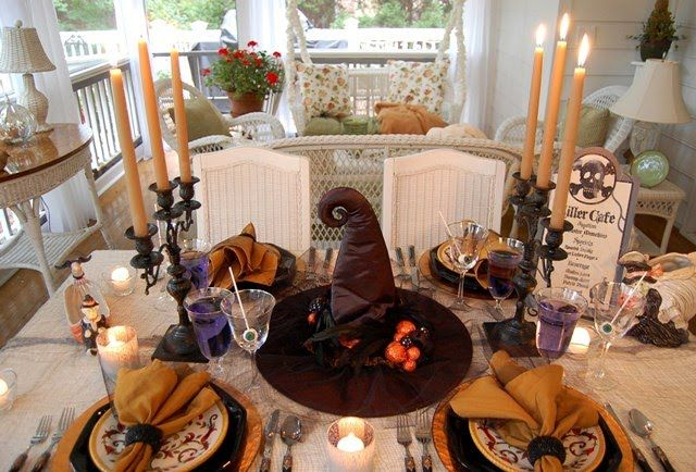 Halloween Tablescape Dining in the Killer Cafe Halloween table - halloween table setting ideas