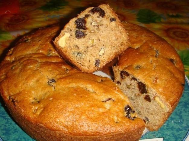 Torta de ciruelas, pasas y nueces