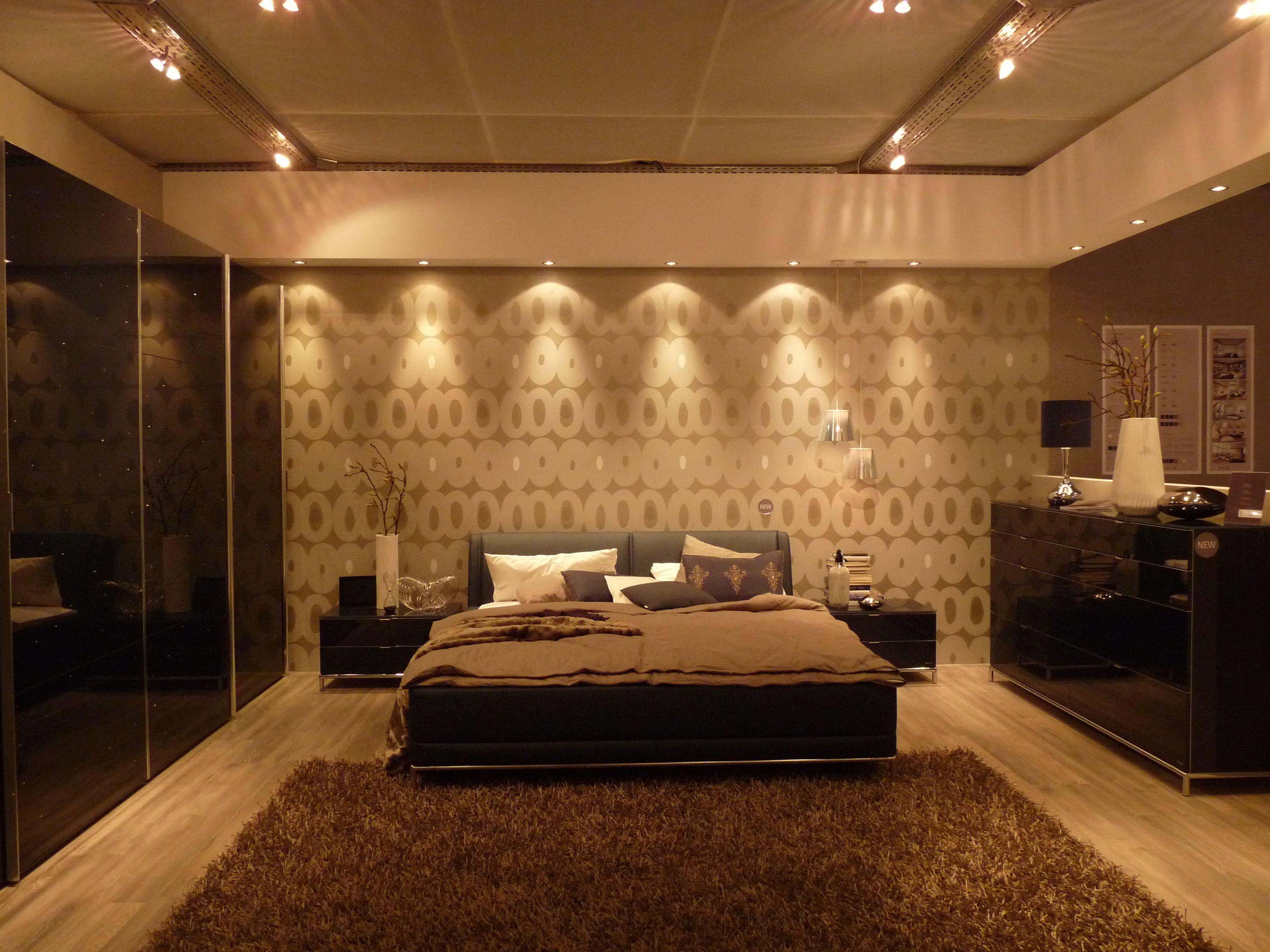 Sternenhimmel Schlafzimmer ~ Schlafzimmer dunkelblaue hochglanzfronten mit funkelnden