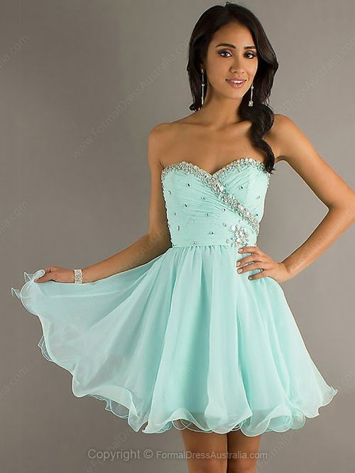 Making Your Dream Come True with Your First Prom Dress\