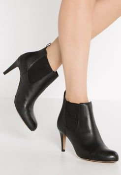 Women's Carlita Ankle Boot