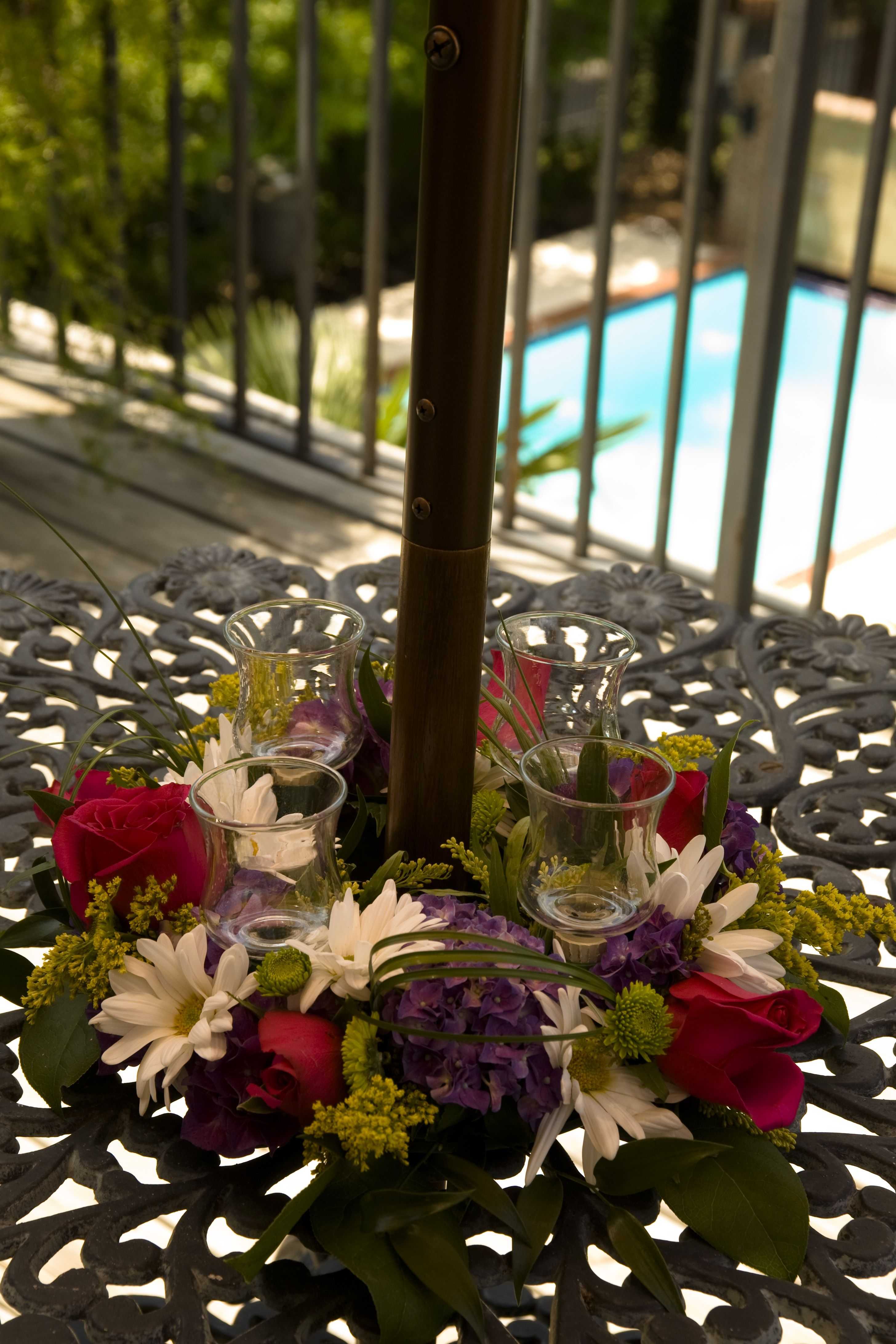 Summer Flower Arrangements By Twigs In Greenville Sc Summer Flower Arrangements Flower Arrangements Flower Delivery