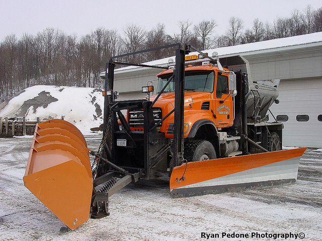 Mack Granite 4x4 Snow Plow Truck With Images Snow Plow Snow