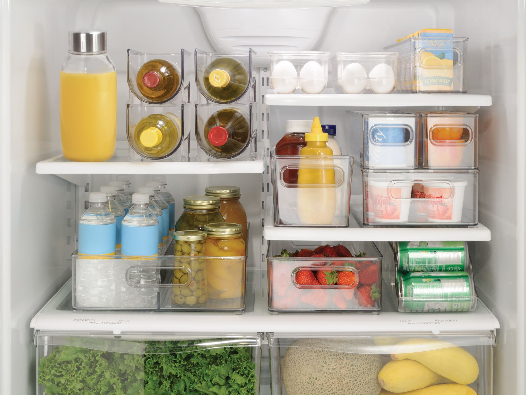 How To Clean Your Fridge in Less than 5 Minutes