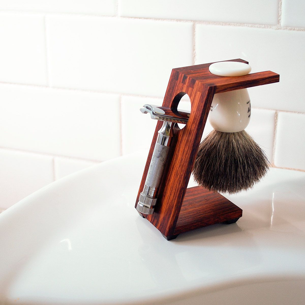 Wood Shaving Stand for Safety Razors Burmese Rosewood