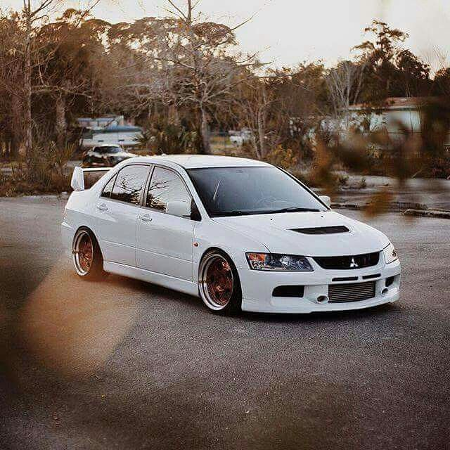 Stanced Ww Mitsubishi Evolution 9