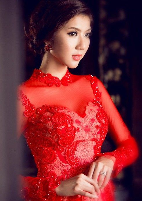 Ngọc Quyên đẹp như trong tranh với áo dài cưới | sieu mau