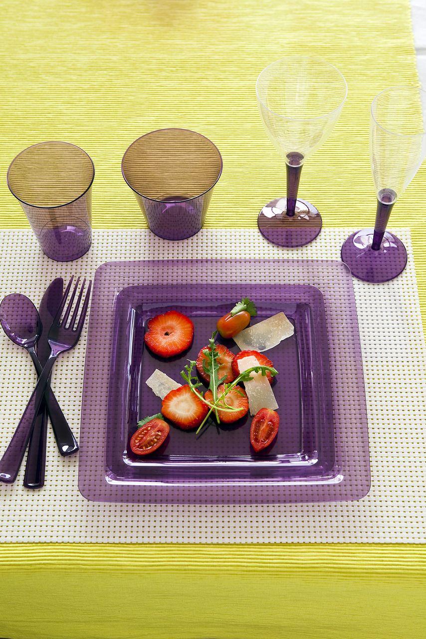 partywaretableware.com - Mozaik Aubergine Purple Small Square Plastic Plates - 18cm - Pack of & partywaretableware.com - Mozaik Aubergine Purple Small Square ...