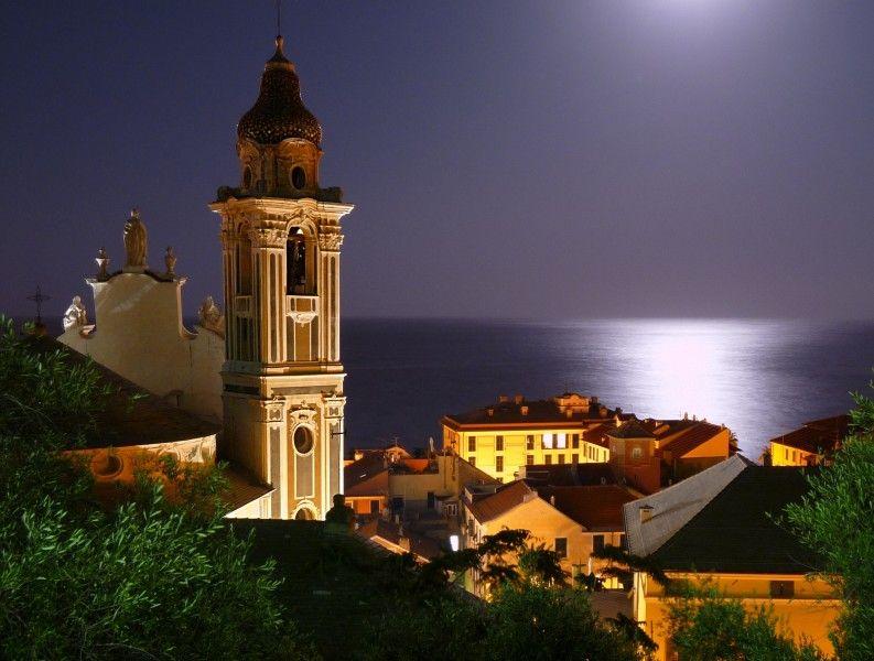 #Laigueglia, Savona, Liguria | Savona, old and new. Italy ...