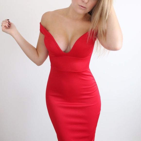 Red off shoulder bodycon dress NWT, hugs every curve. Fits XS-S ASOS Dresses Midi